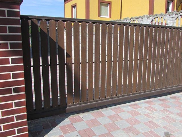 Откатные деревянные ворота в Гомеле