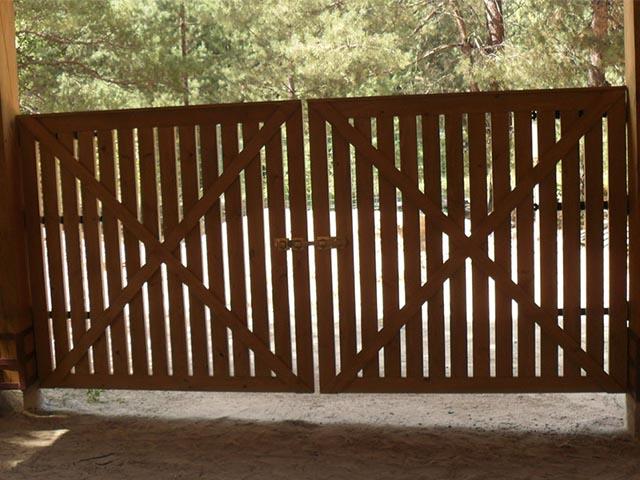 Ворота деревянные в Гомеле